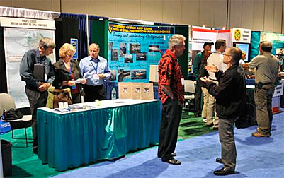 photo from Clean Pacific 2009, Dave Byers and Laurie Boyle staff the Oil Spill Task Force booth